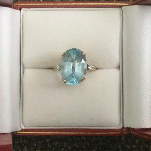 Jewelry - Blue Topaz Ring Size 6 w/2 small Diamonds 14kt